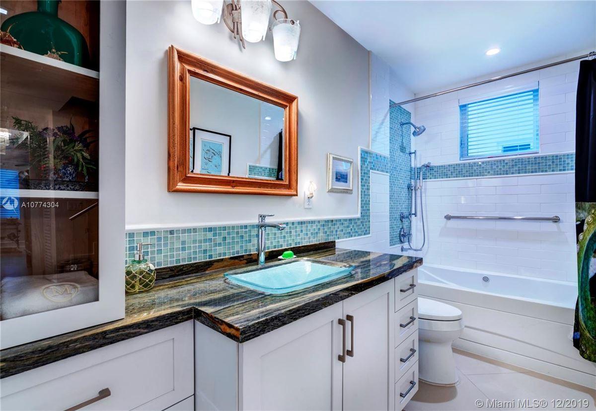 Luxury homes SEASIDE CHIC MANSION