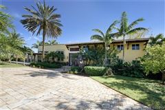private Spanish style estate located in Southwest Ranches luxury real estate