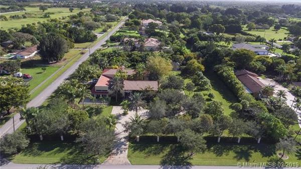 Luxury homes private Spanish style estate located in Southwest Ranches
