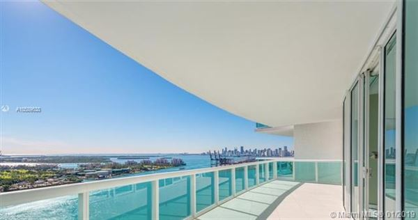 Flow-through condo at Murano at Portofino luxury real estate