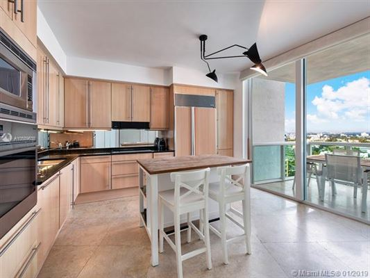 Luxury real estate Flow-through condo at Murano at Portofino
