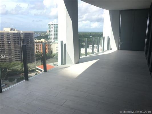 Mansions in lovely brand new apartment