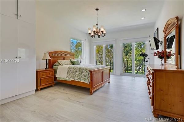 Luxury properties remarkable gated estate in Pinecrest