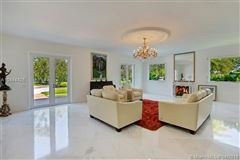 Luxury homes remarkable gated estate in Pinecrest