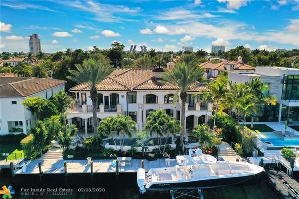Luxury homes Spectacular location for open water views