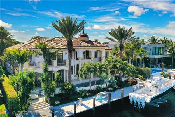 Luxury real estate Spectacular location for open water views