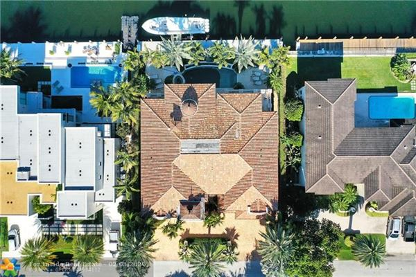 Spectacular location for open water views luxury real estate