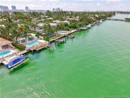 Spectacular waterfront home luxury real estate