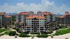 Luxury properties Magnificent Ocean Front Penthouse