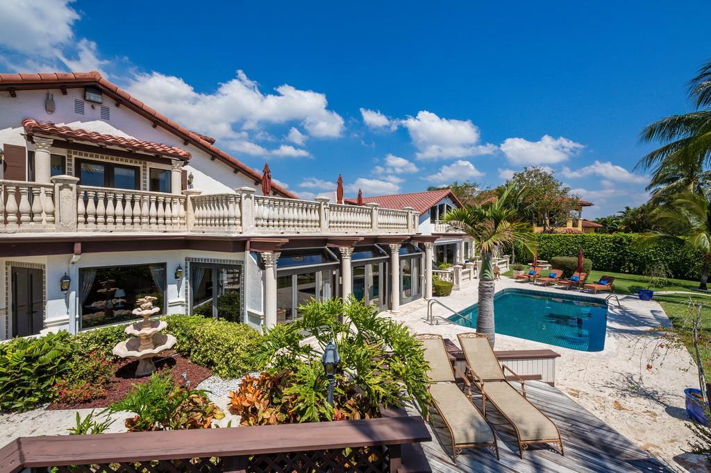 Luxury homes Waterfront Mediterranean Estate