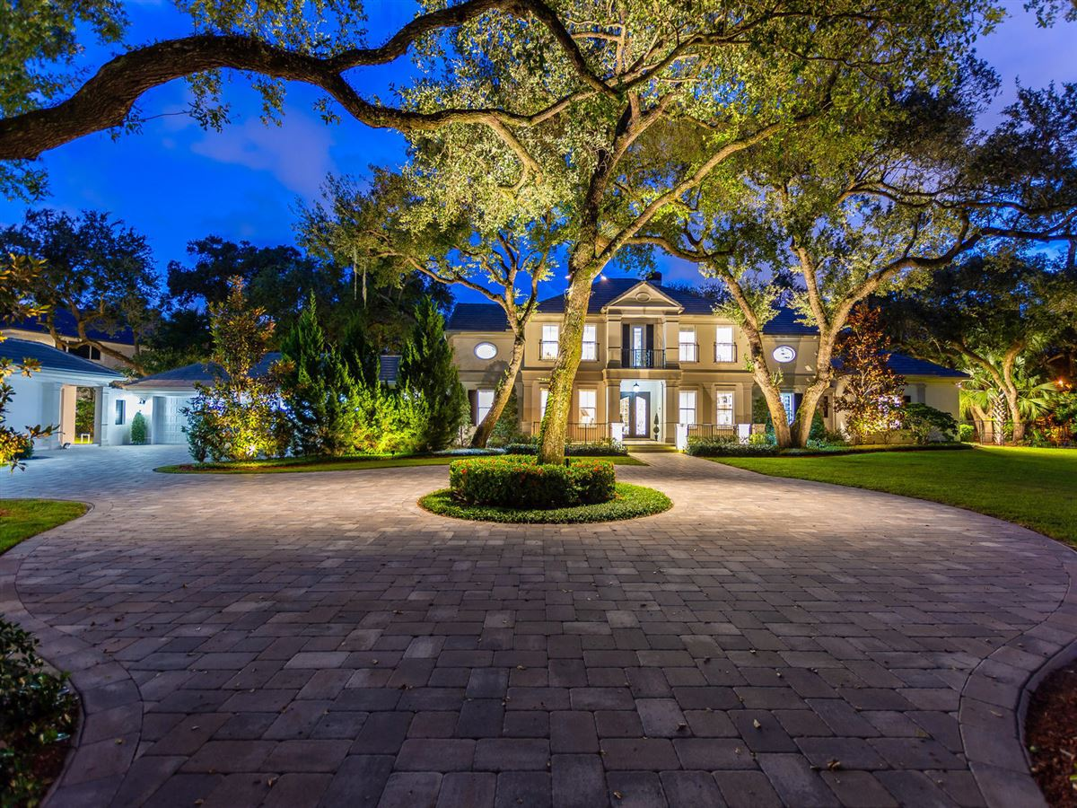 Luxury real estate stunning custom luxury estate home in Foxe Chase