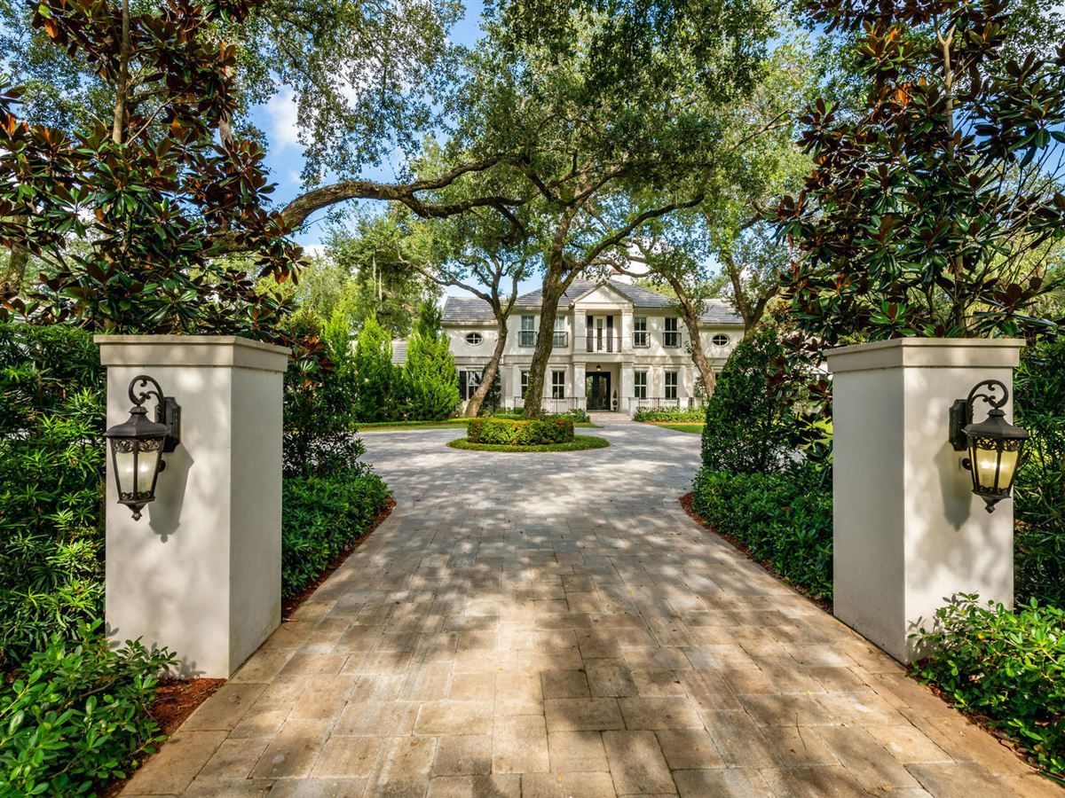 stunning custom luxury estate home in Foxe Chase luxury homes