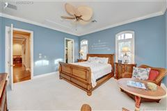 Mansions Spectacular island gem in small gated community