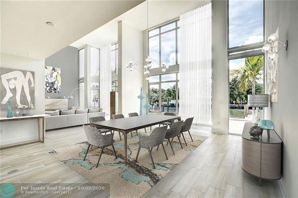 Luxury properties monumental new Acqua Marina townhouse