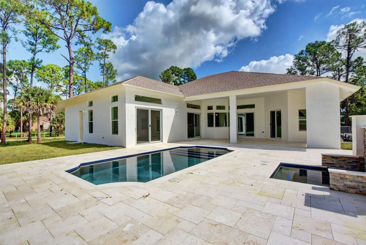 Luxury homes Fabulous brand new estate pool home with guest home