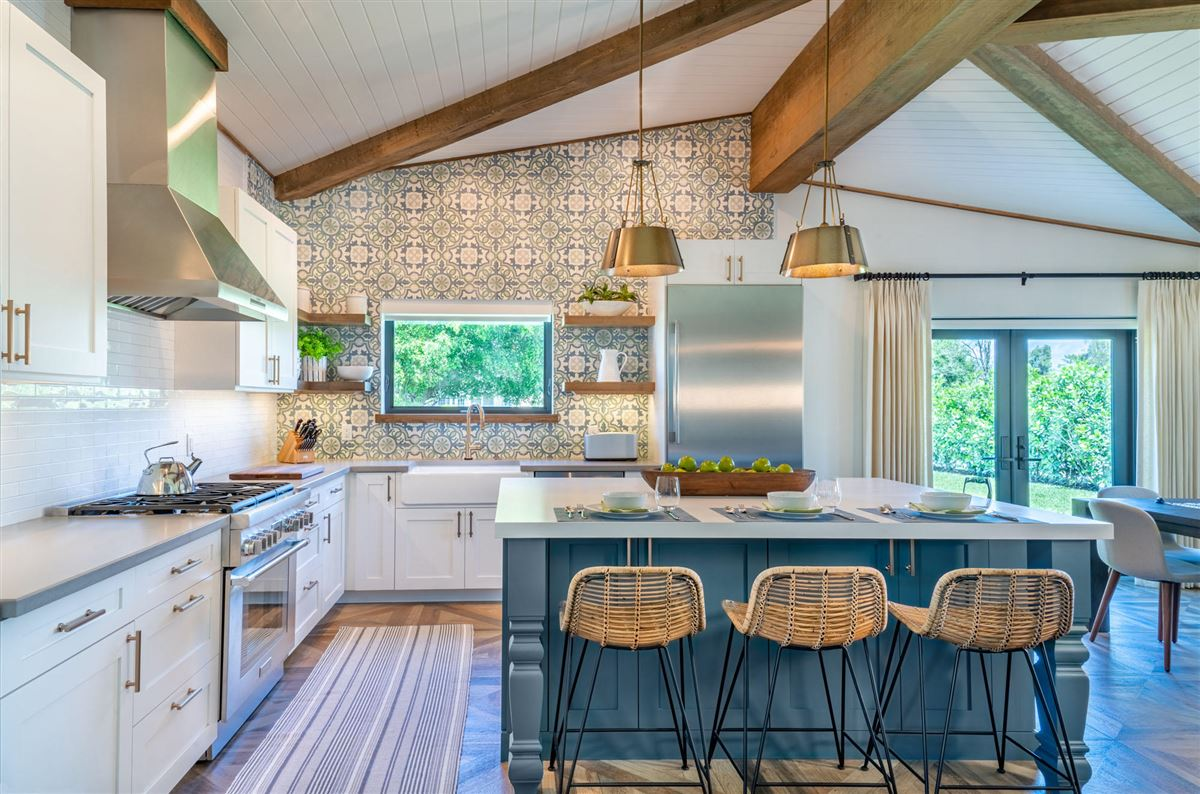 Luxury homes Total renovation on two-plus acres