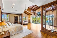 iconic waterfront estate luxury homes
