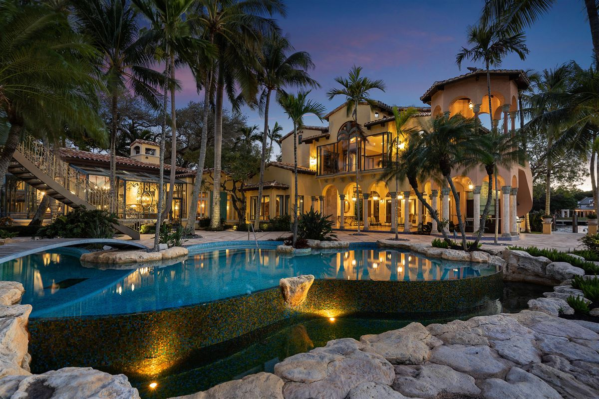 Luxury homes  iconic waterfront estate