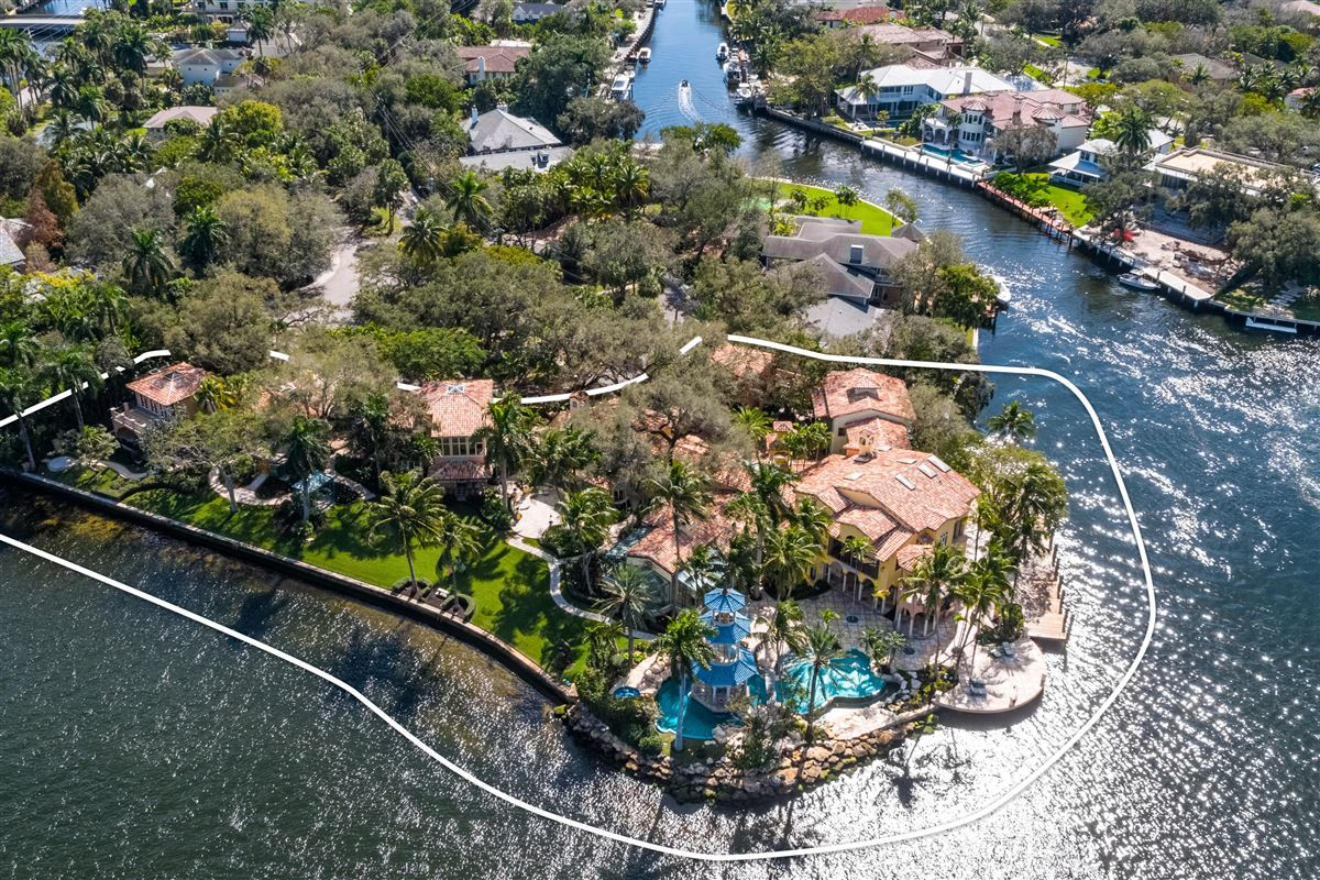 Luxury real estate  iconic waterfront estate