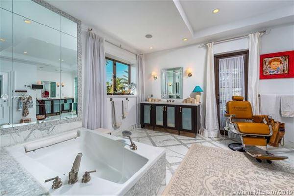 Luxury properties Stunning Mediterranean Waterfront Estate in Bay Harbor Islands