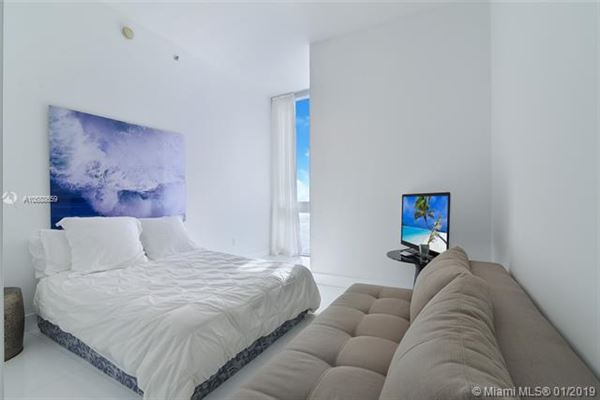 Luxury real estate beautiful unit with direct ocean wraparound balcony