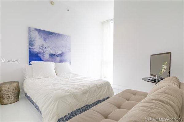beautiful unit with direct ocean wraparound balcony luxury real estate