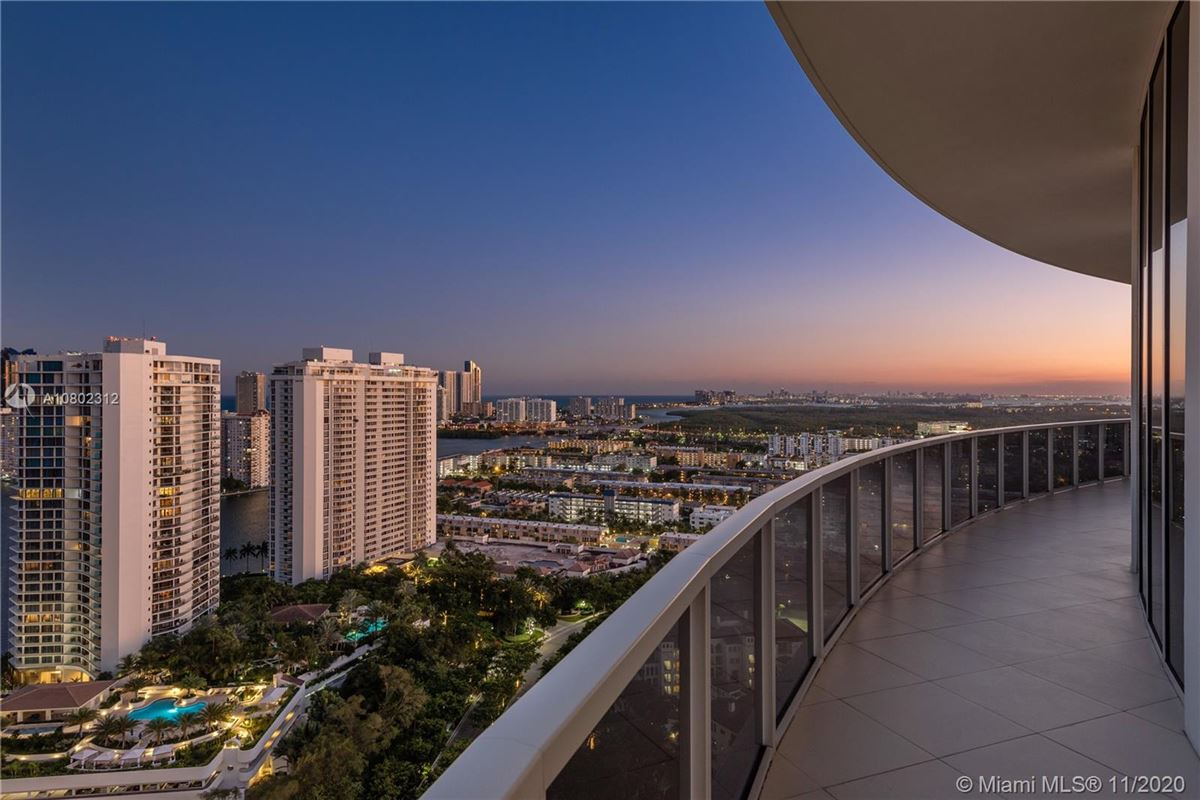 Luxury homes in the most spectacular views Miami has to offer