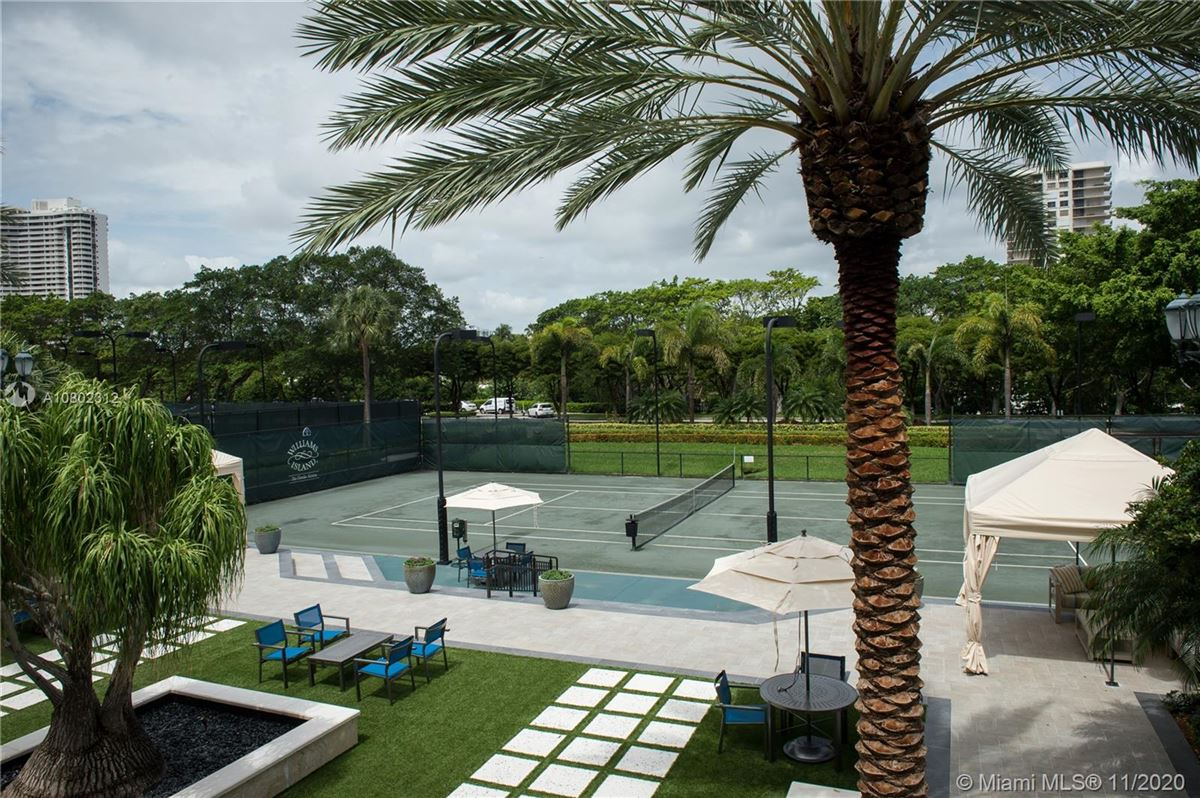 the most spectacular views Miami has to offer luxury properties