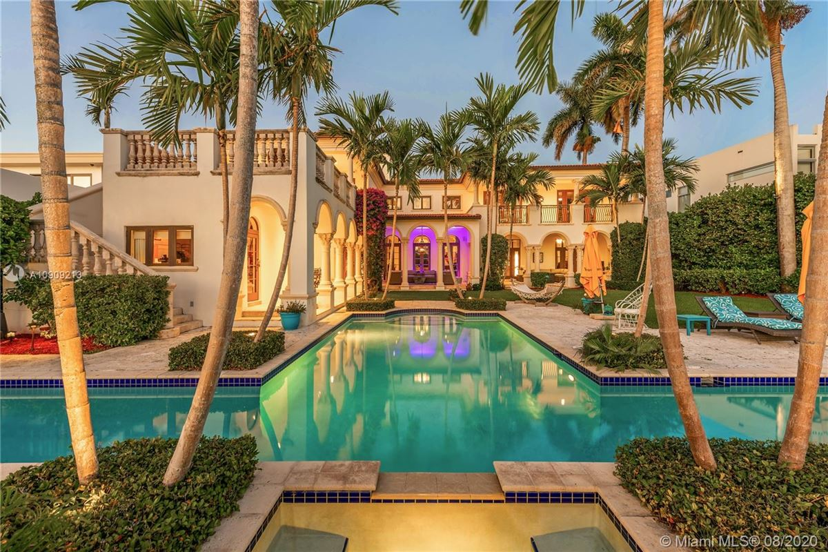 Mansions in truly special waterfront Mediterranean Estate