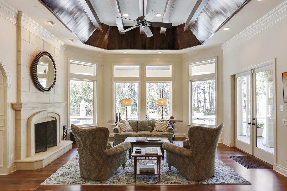 Luxury properties SHOWSTOPPER on SKI Lake