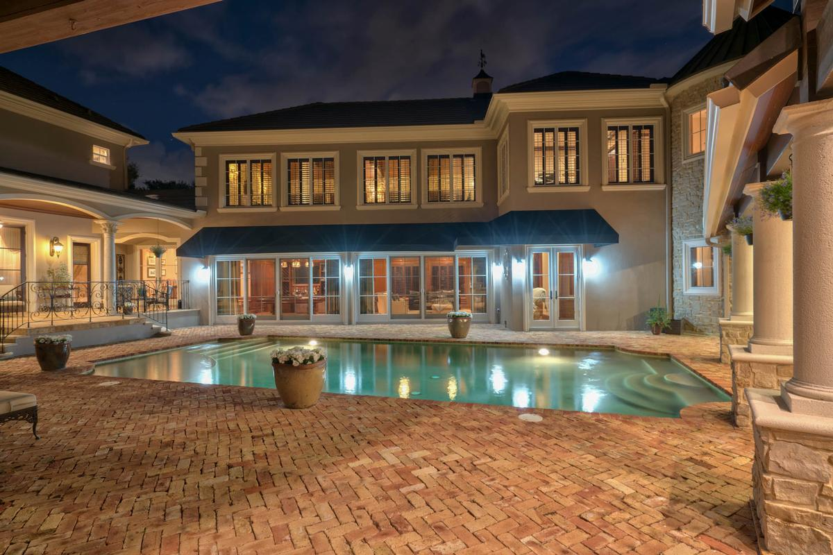 Exquisite Luxury Estate In Exclusive Stillwater Florida