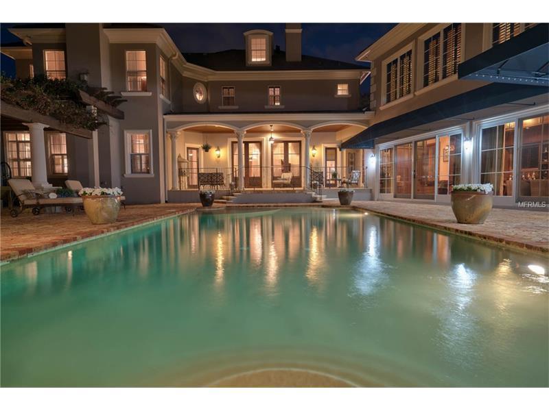 Mansions in Exquisite Luxury Estate in exclusive Stillwater