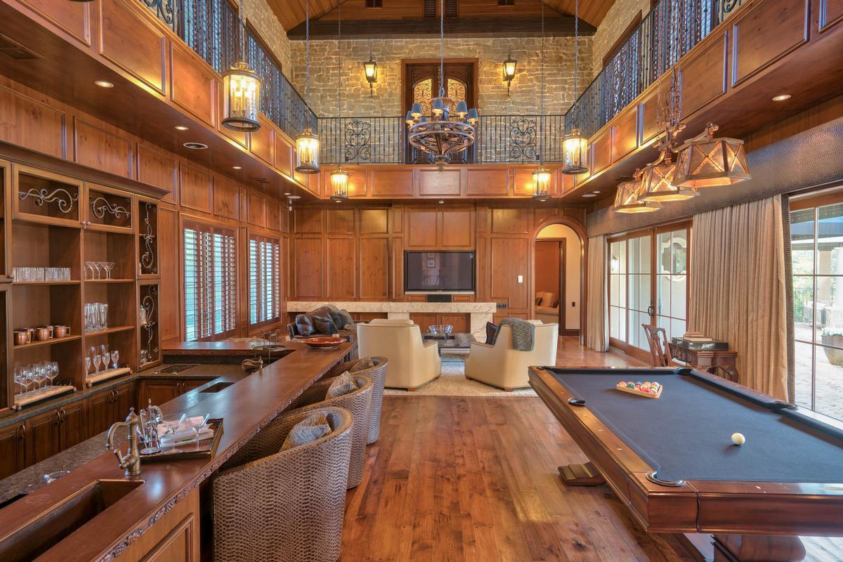 Exquisite Luxury Estate in exclusive Stillwater luxury homes