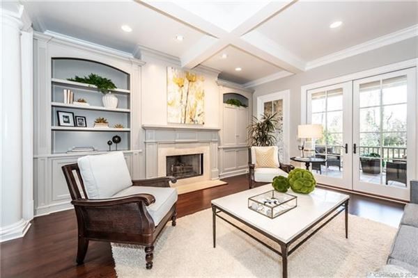 Mansions in gracious custom home in myers park