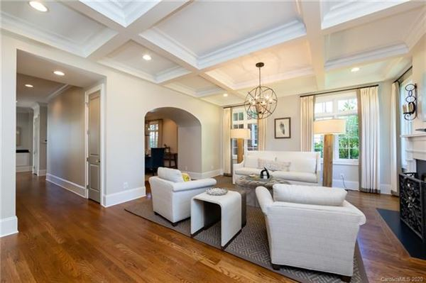 Luxury real estate luxury and sophisticated Living In Eastover