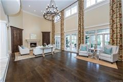 Luxury homes in Welcome home to the heart of Southpark