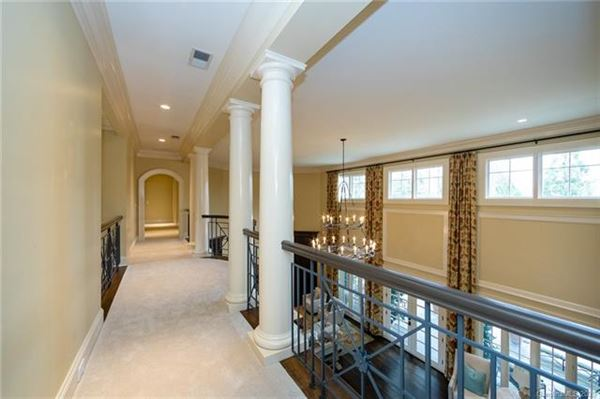 Luxury real estate Welcome home to the heart of Southpark
