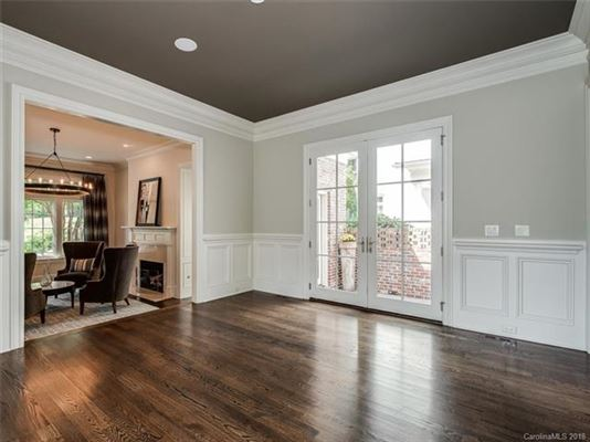 move-in ready home in convenient location luxury homes