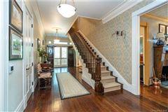 Luxury homes family retreat in an idyllic setting