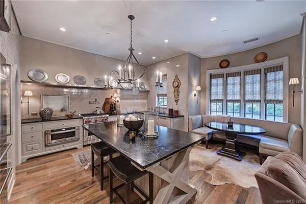 Luxury homes Exquisite first floor end unit