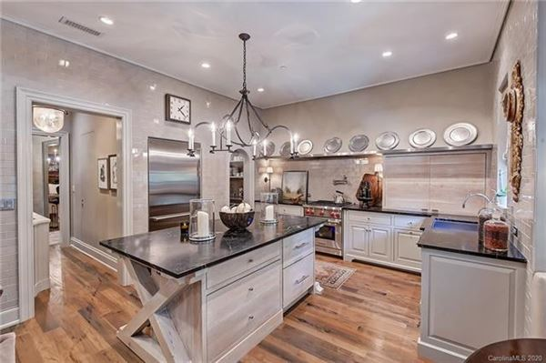 Luxury real estate Exquisite first floor end unit