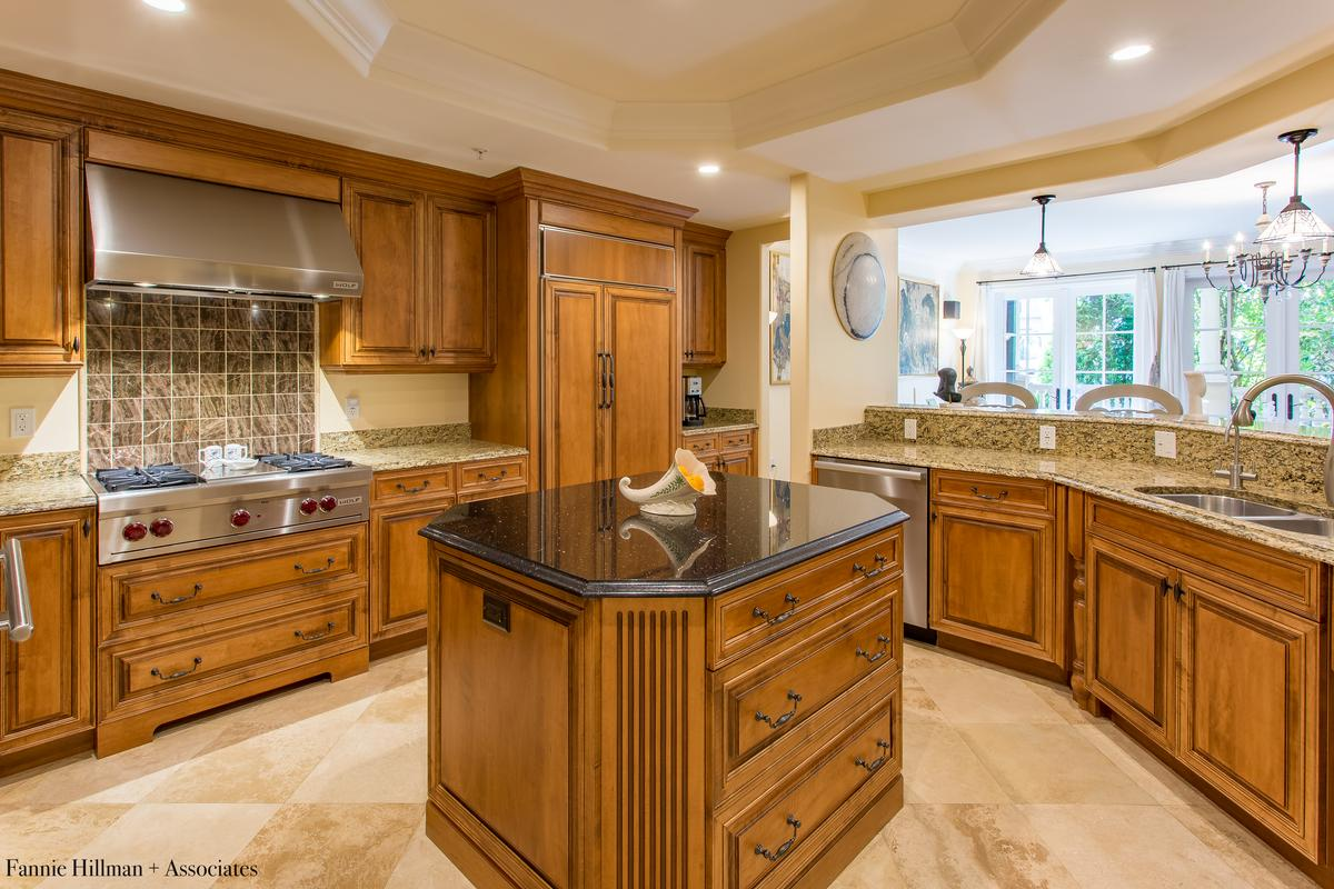Luxury homes Exquiste Downtown Condo