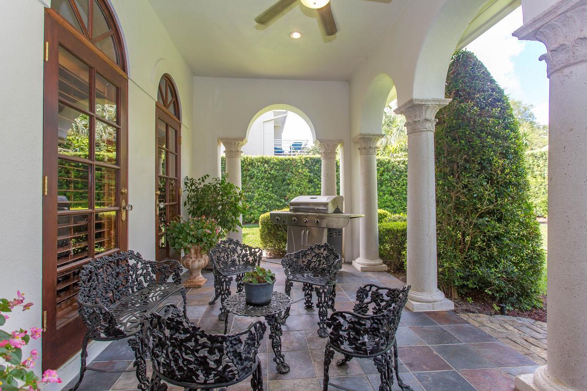 Beautiful Italian Mediterranean in the Vias mansions