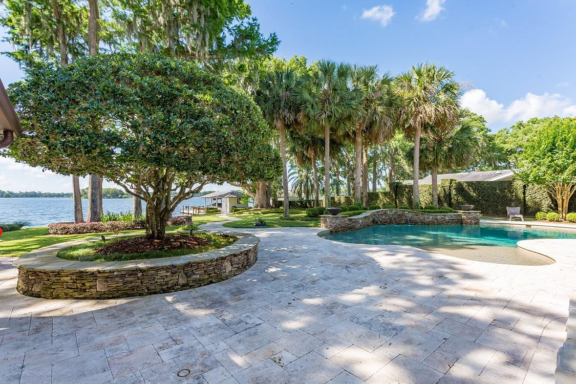 Luxury properties beautiful home on the north shore of Lake Maitland