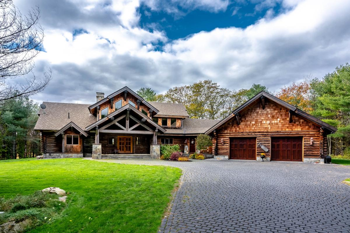 Maine Luxury Homes and Maine Luxury Real Estate | Property