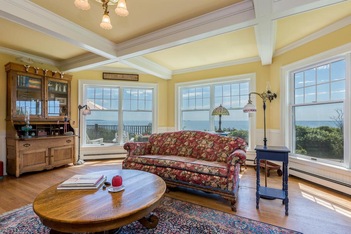 Luxury homes in 354 Seashore