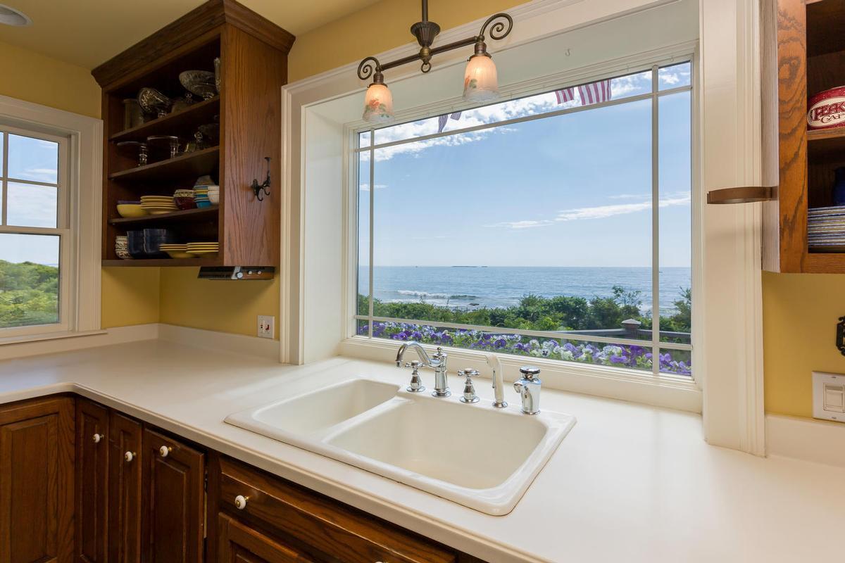 Luxury properties 354 Seashore