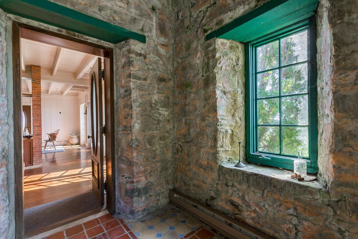 Beckett Castle luxury properties