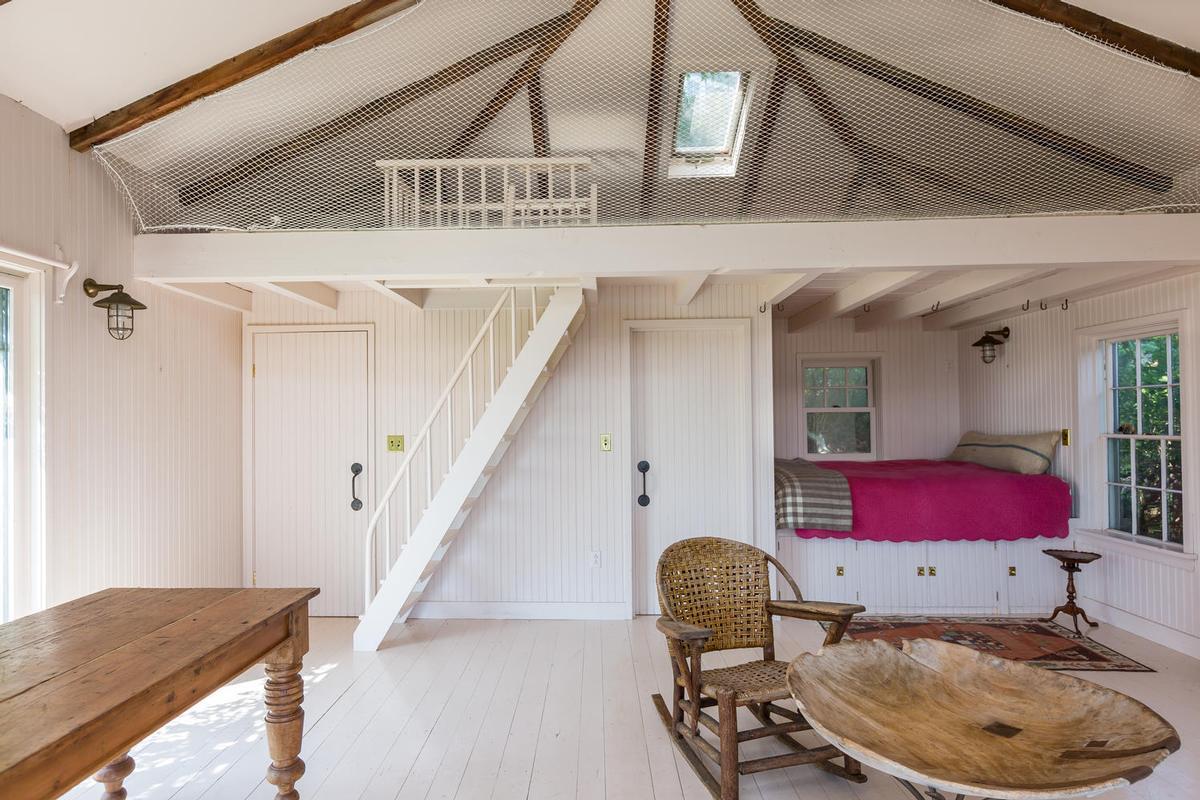 Beckett Castle luxury homes