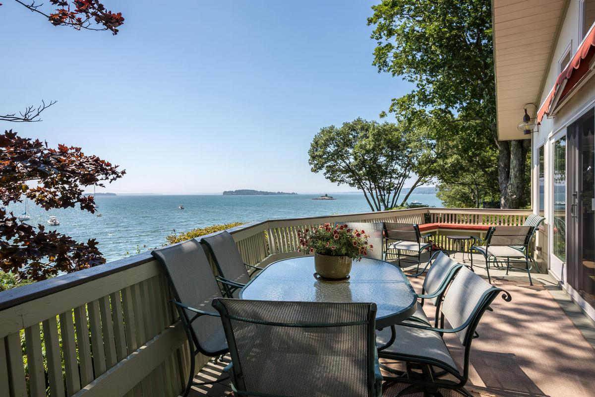 Luxury real estate Princes Point CHARMER